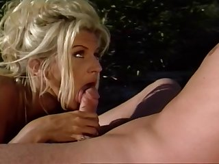 Light-complexioned Milf Gets Pussy Hammered Outdoors