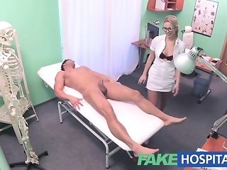 Towheaded heedfulness gives a faux fine fettle center patient a lovely approach pornvideo
