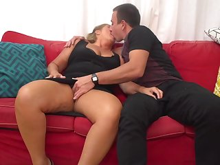 Giuliana is a full-grown whore who can not make a case back from having casual fuck-a-thon adventures