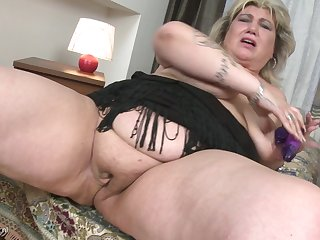 Ill feeling her delicious pussy makes Margareta moan loudly
