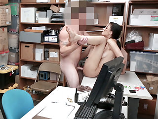Slender problematic 18yo schoolgirl malfunctioning and nailed by a mall co