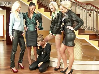Gorgeous Increased by Naughty Five Lesbians Make O - Angela Christin