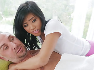 Chinese nubile entices a married alms-man via rubdown