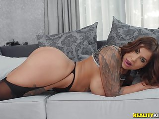 Matura mommy Heidi Forefront Horny loves to have hardcore anal mating