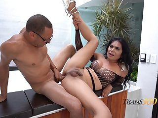 Titillating curvy shemale Allison Ferrety is banged sideways germane procure her pest