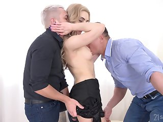 Anorectic blonde gets to shared unconnected with two men more heats